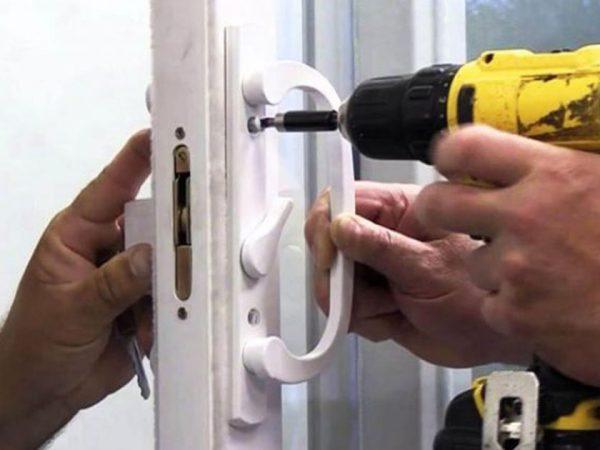 Lock-repair-locksmith-services
