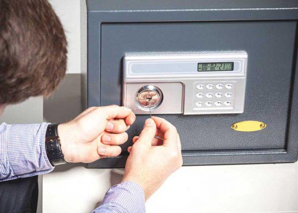 Safes-locksmith-service